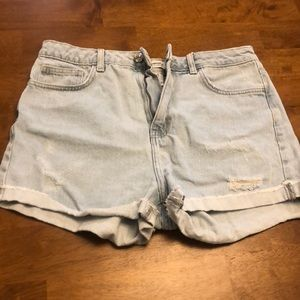Forever 21 Lightwash High Rise Shorts Size 28